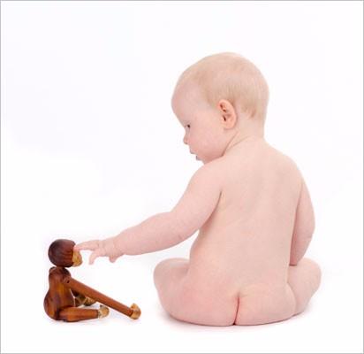 Baby-siddende-abe-legetøj-højre7
