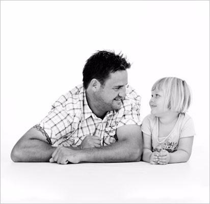 Far-datter-liggende-højre11
