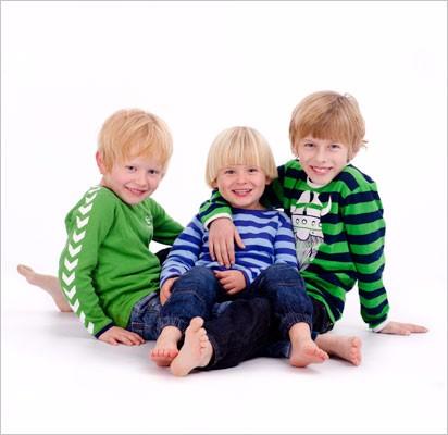 Tre-børn-hvid-baggrund-venstre3